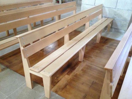 Mobilier bois pour une église